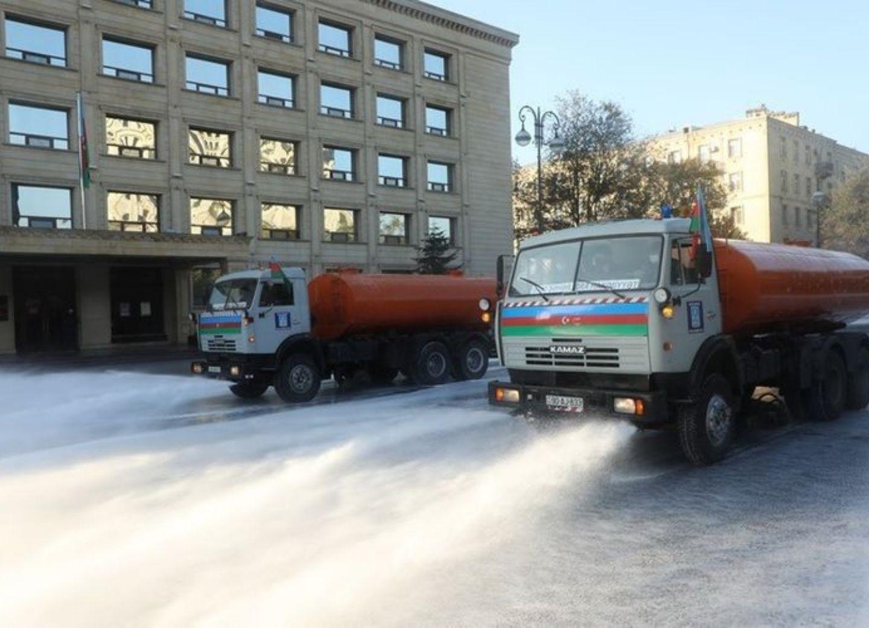 На улицах Баку проводятся усиленные дезинфекционные работы - ФОТО