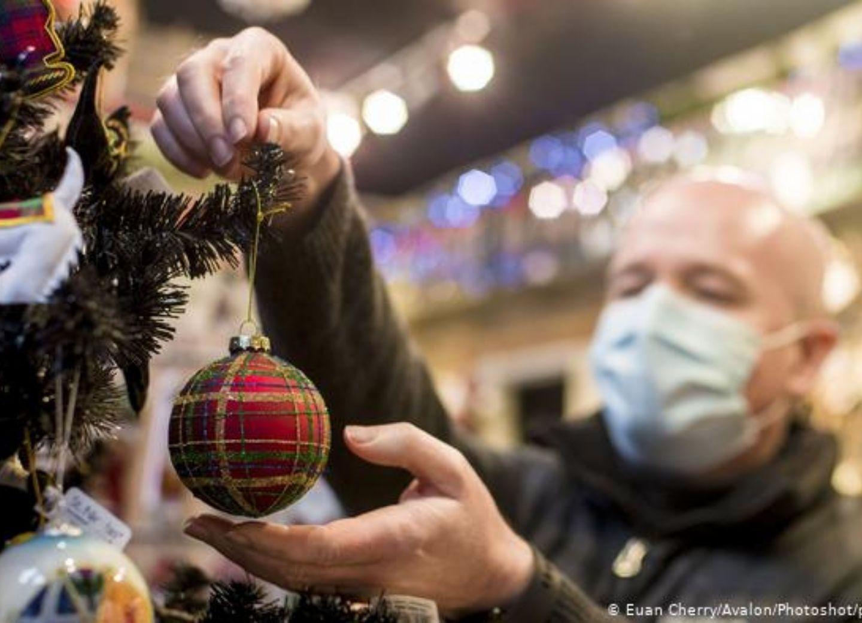 Коронавирус: ряд стран ЕС ослабляет карантинные меры перед Рождеством