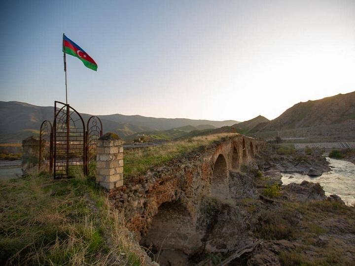 Азербайджан планирует привлечь ЮНЕСКО к восстановлению культурного наследия Карабаха