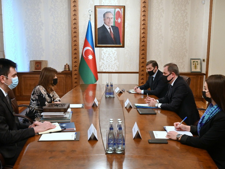Глава МИД Азербайджана провел встречу с президентом Международного фонда тюркской культуры и наследия - ФОТО