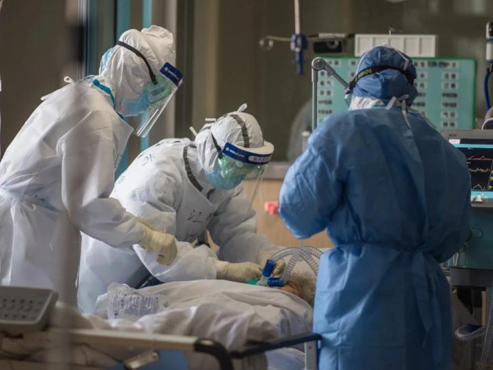 ВОЗ впервые с сентября зафиксировала снижение числа заболевших COVID-19 за неделю