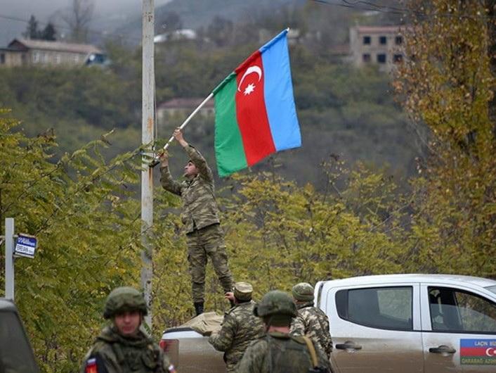 «Азербайджанец вынужденно покинул Лачин в 4-летнем возрасте, а сейчас везет туда 4-летнего сына». Мировые СМИ о возвращении Лачина - ВИДЕО