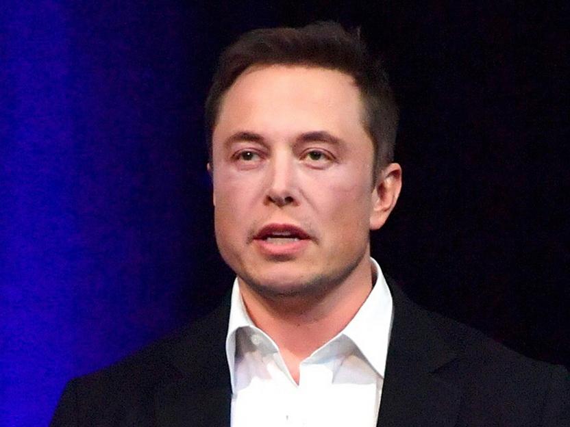 Илон Маск считает, что первый человек высадится на Марсе через шесть лет