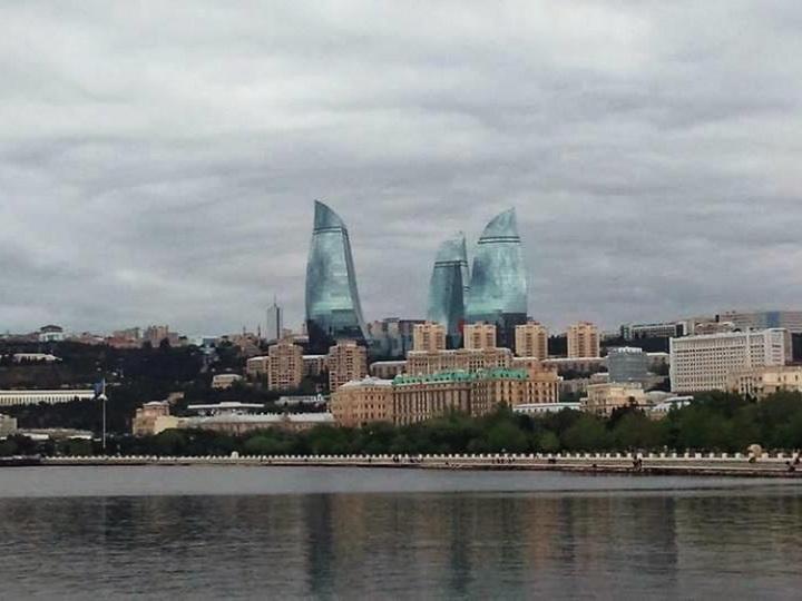 В четверг в Баку пасмурно