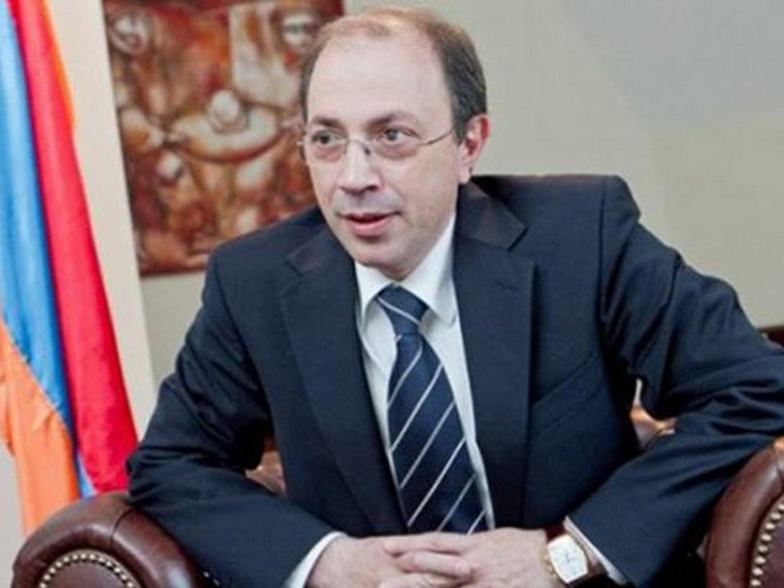 Министр-балабол: Ара Айвазян повторяет ошибки своего начальника