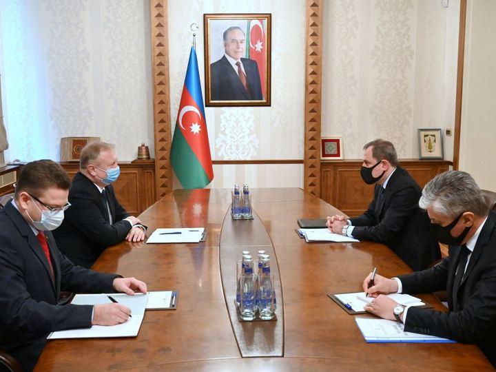 Ceyhun Bayramov Belarusun səfiri Gennadi Axramoviç ilə görüşüb