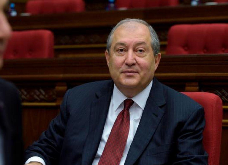 Eurasianet: Президент Армении ведет свою игру и желает занять кресло премьера