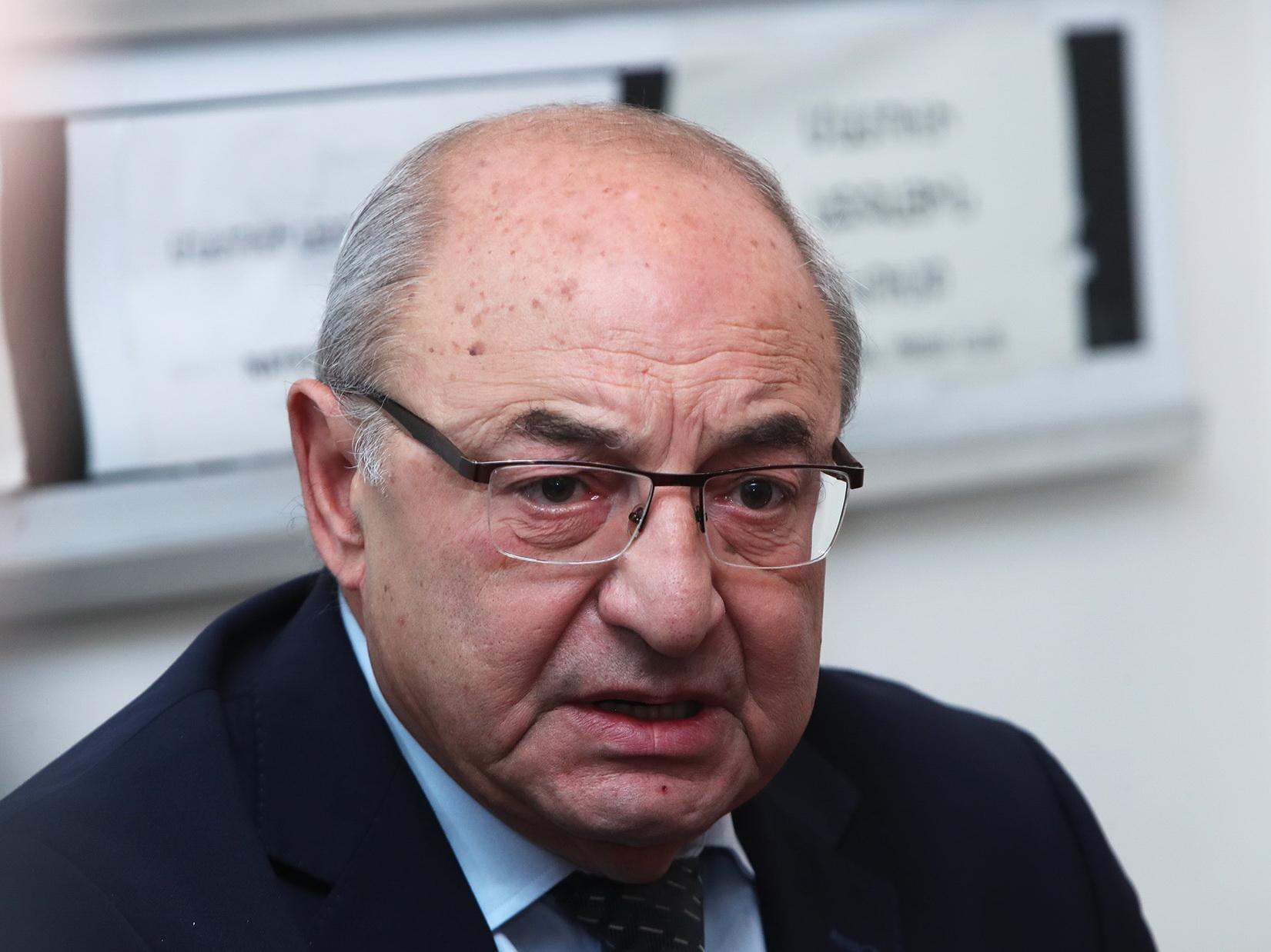 Вазген Манукян назвал Пашиняна «армянским Эльчибеем»
