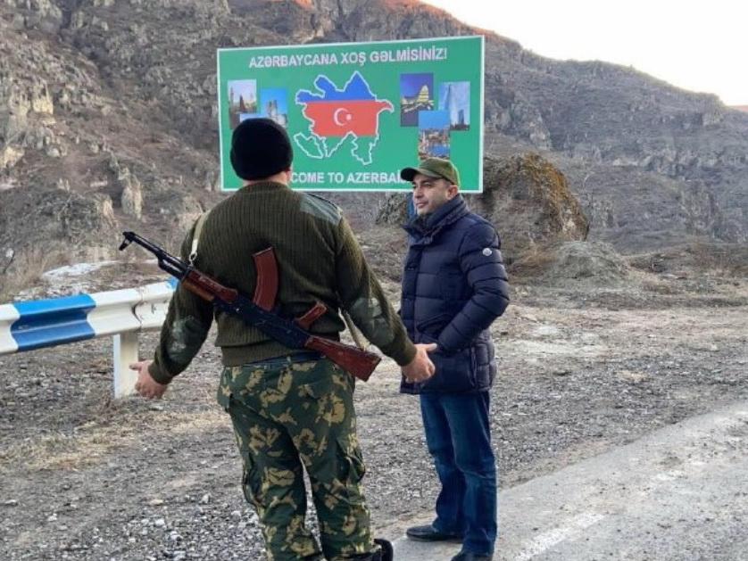 Новый баннер «Добро пожаловать в Азербайджан» встретил Эдмона Марукяна на  границе – ФОТО – ВИДЕО | 1news.az | Новости