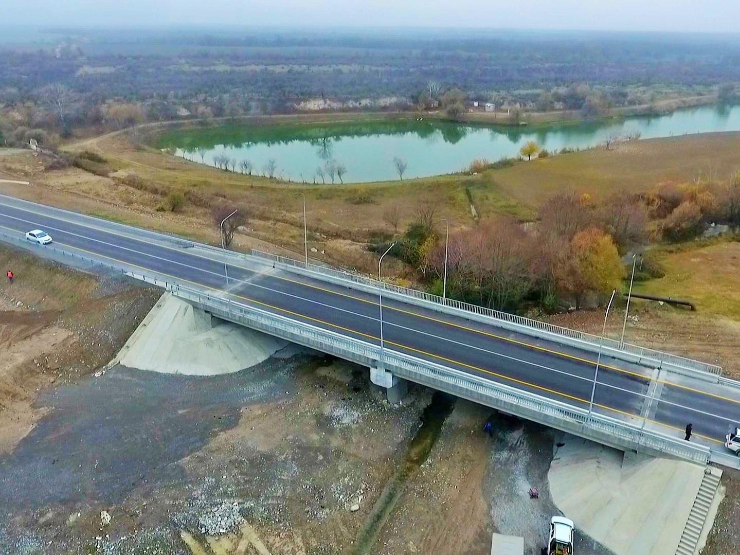 Азербайджан реконструировал часть дороги в Грузию – ФОТО