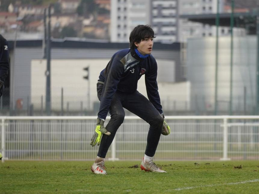 Азербайджанский футболист во Франции. Как 17-летний голкипер дорос до Топ-5