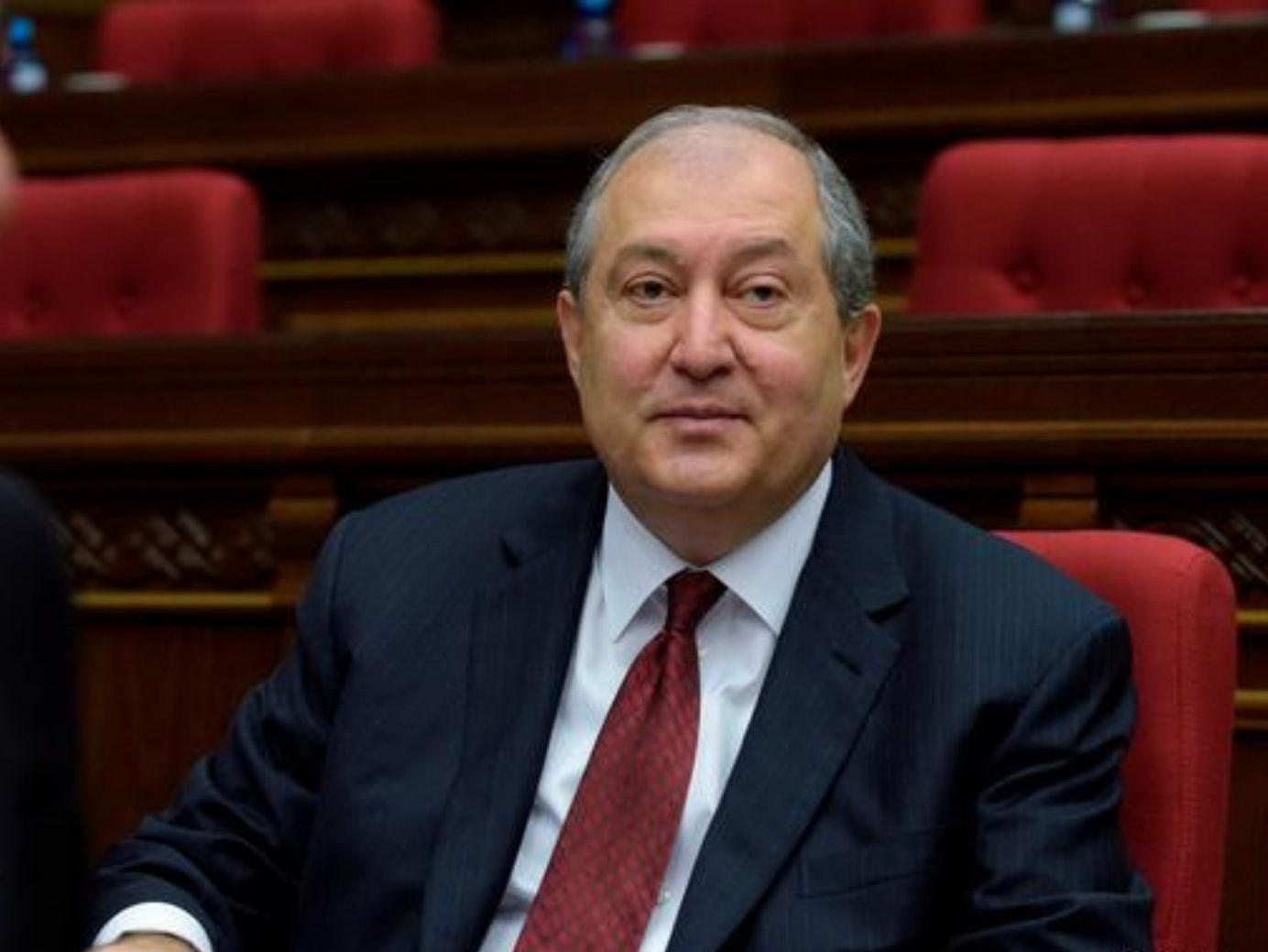 Президента Армении госпитализировали с COVID-19