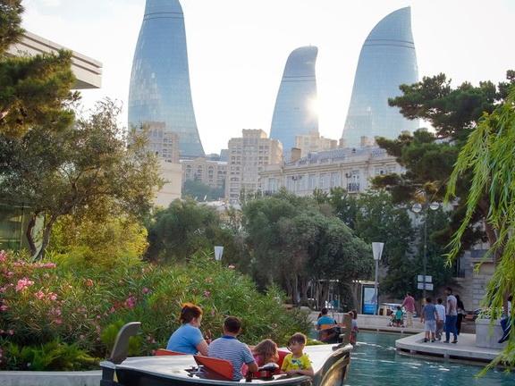 Опрос: Азербайджан – в числе самых счастливых стран мира