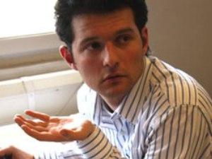 Аднан Гаджизаде досрочно выпущен на свободу