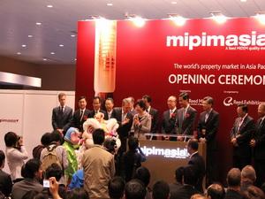 Проект «Baku White City» успешно представлен на выставке в Гонконге