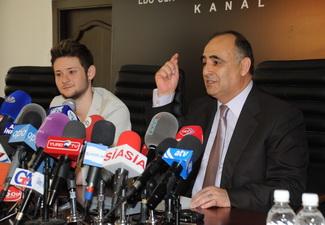 Глава ОТВ прокомментировал отсутствие флага Азербайджана в руках победителей «Евровидения-2011» - ФОТО