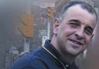 Ведущий передачи «Бакинские тайны» Фуад Ахундов: «В Канаде я работаю охранником, сижу в будке и поднимаю шлагбаум, пропуская машины» - ФОТО