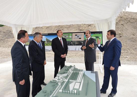 Ильхам Алиев ознакомился со строительством комплекса на территории массового захоронения в Губе - ФОТО