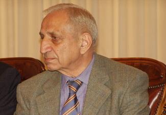 Фаик Гасанов: «К 2014 году в Азербайджане все школы с начальных классов будут охвачены преподаванием шахмат»