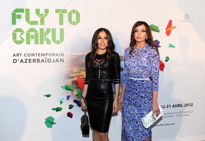 В Париже открылась выставка «Полет в Баку: современное азербайджанское искусство» - ФОТО