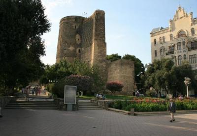 Рена Юзбаши. Только в Азербайджане…