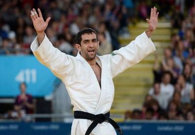 Гимн Азербайджана прозвучал в Лондоне после того, как Рамин Ибрагимов завоевал золото - ВИДЕО