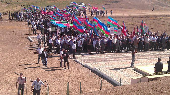Шествие в Нагорном Карабахе.