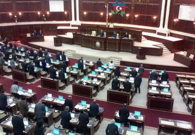 В Азербайджане приняты поправки  в Закон «О свободе собраний»