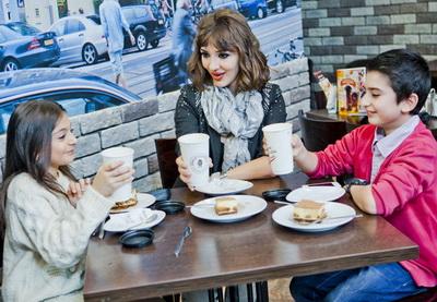 Сабина Бабаева провела день с азербайджанскими участниками «Детского Евровидения - 2012» - ФОТО