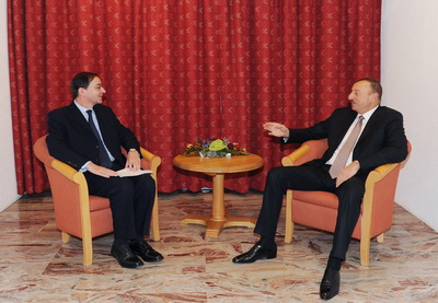 Президент Азербайджана в Давосе встретился с главой компании Holcim Group - ФОТО
