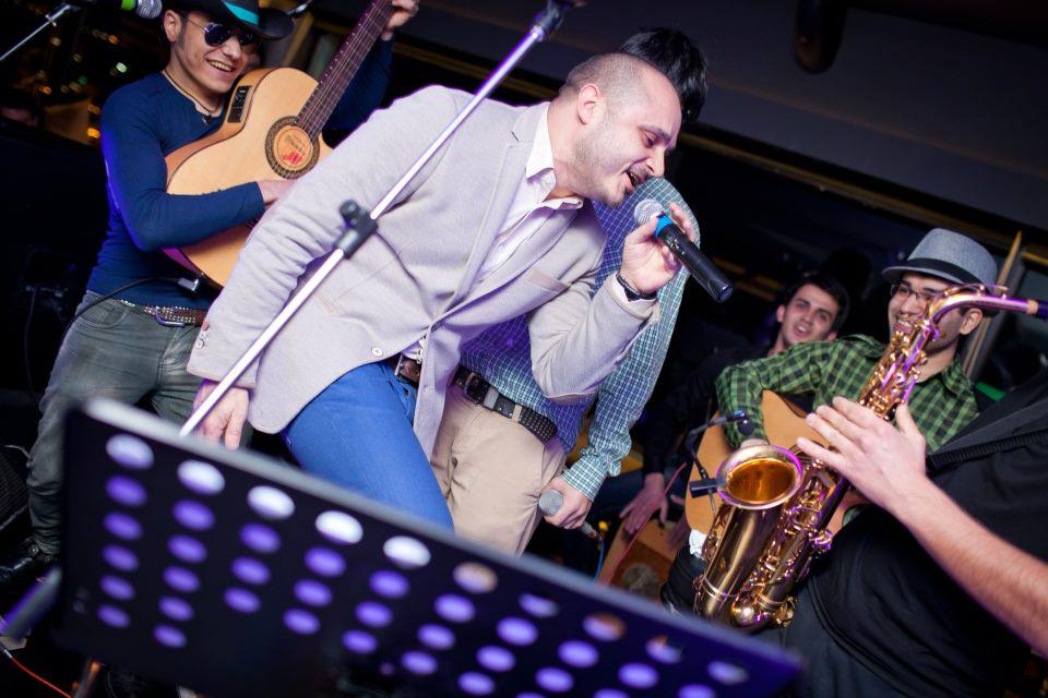 Мири Юсиф выступил с акустическим клубным концертом – ФОТО