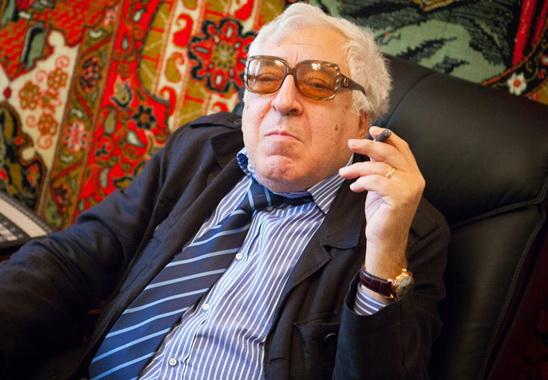 Город моей молодости. Анар: «Я прекрасно помню Лемберанского, он «освободил» от железных решеток все бакинские скверы и парки…»