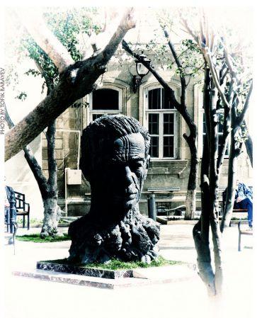 Памятники Баку