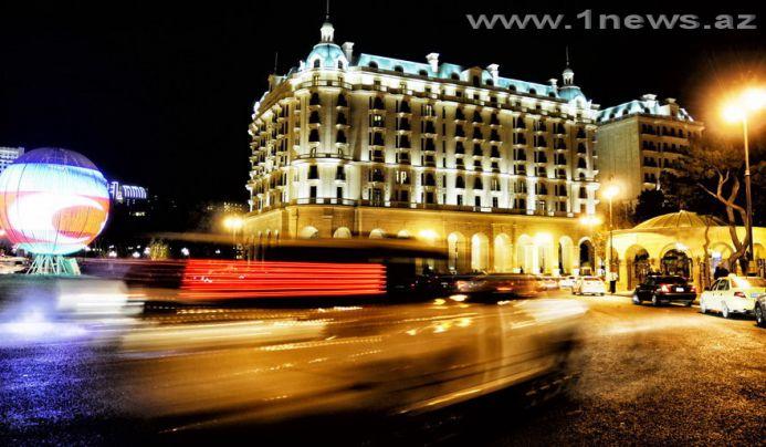 Яркие краски ночного Баку