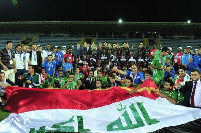 Сборная Азербайджана, Агиль и Нодар Мамедовы получили награды чемпионата мира по футболу - ФОТО