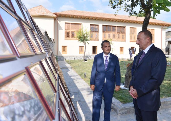 Ильхам Алиев ознакомился с реконструированным «Домом Шекихановых» - ФОТО