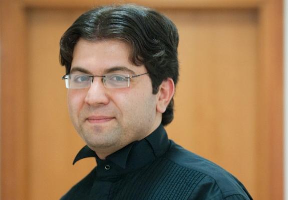 Эйюб Кулиев назначен главным приглашенным дирижером Академического симфонического оркестра им. В.Сафонова