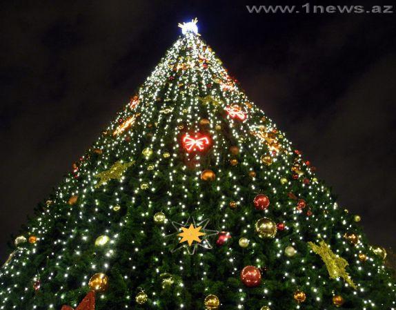Ночной новогодний Баку