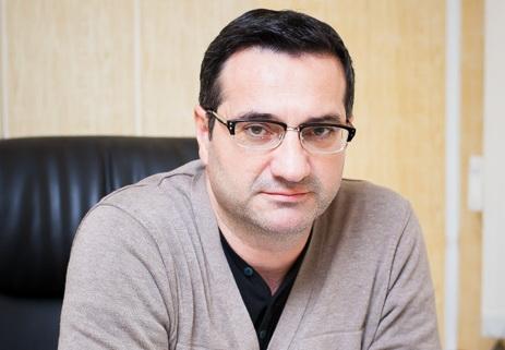 ПРАВИЛА ЖИЗНИ ОБЫЧНЫХ ЛЮДЕЙ. Психиатр Араз Манучери-Лалеи: «Переоценка ценностей произошла после возвращения с Карабахской войны»