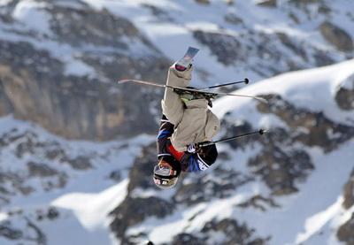 Американский лыжник-фристайлист хочет приютить у себя бездомных сочинских собак - ВИДЕО