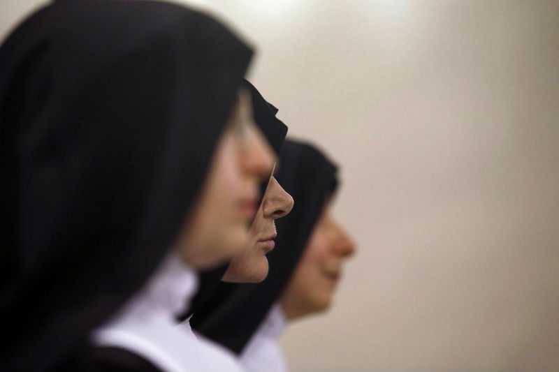 Секс с монахинями и священнослужителями