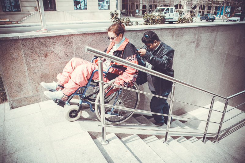 Прогулка на коляске, или Как найти подходящий пандус - ФОТОРЕПОРТАЖ
