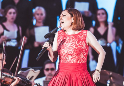 На презентации летнего выпуска журнала «Azərbaycan qadını» Севда Алекперзаде представила альбом «Intro» - ФОТО