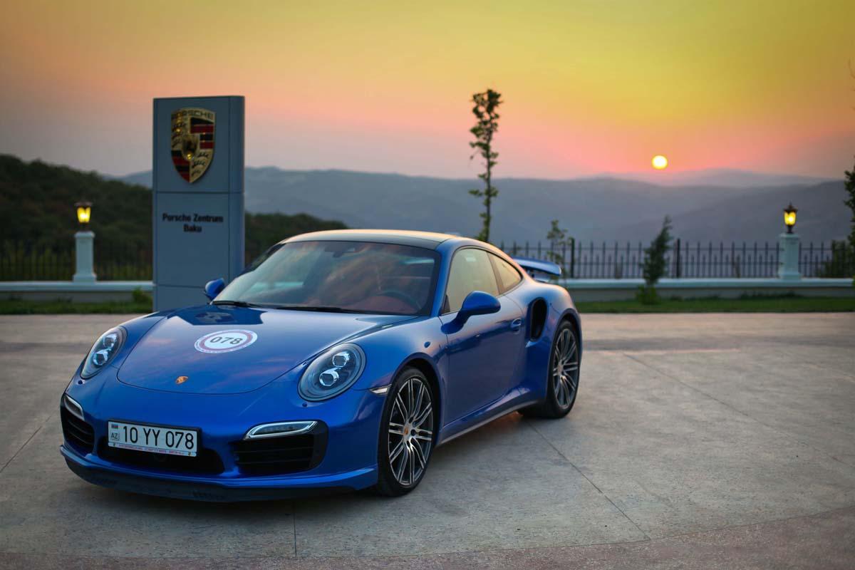 В Шамахе прошел ежегодный автопробег машин марки Porsche - ФОТО