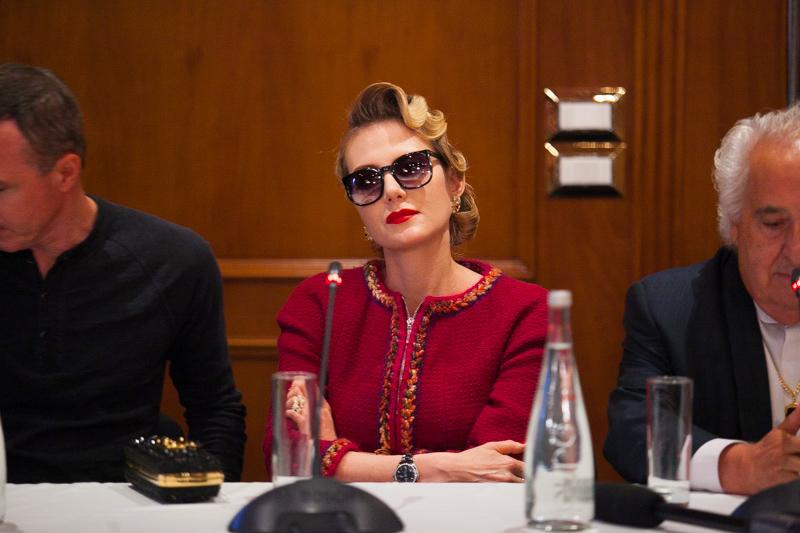 Рената Литвинова, «Свидетель обвинения», блеск украшений и кое-что еще — ФОТО