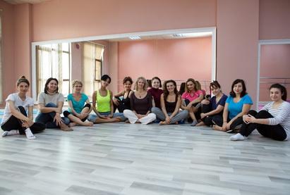 Active Mom's Club организовал бесплатный мастер-класс по йоге - ФОТО