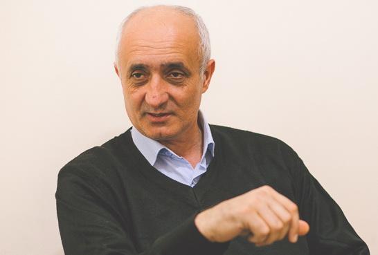 ПРАВИЛА ЖИЗНИ. Ходжалинец Валех Гусейнов: «Армяне узнали, что я гитарист и играю «Гарабаг шикестеси»… и стали ломать мне пальцы»
