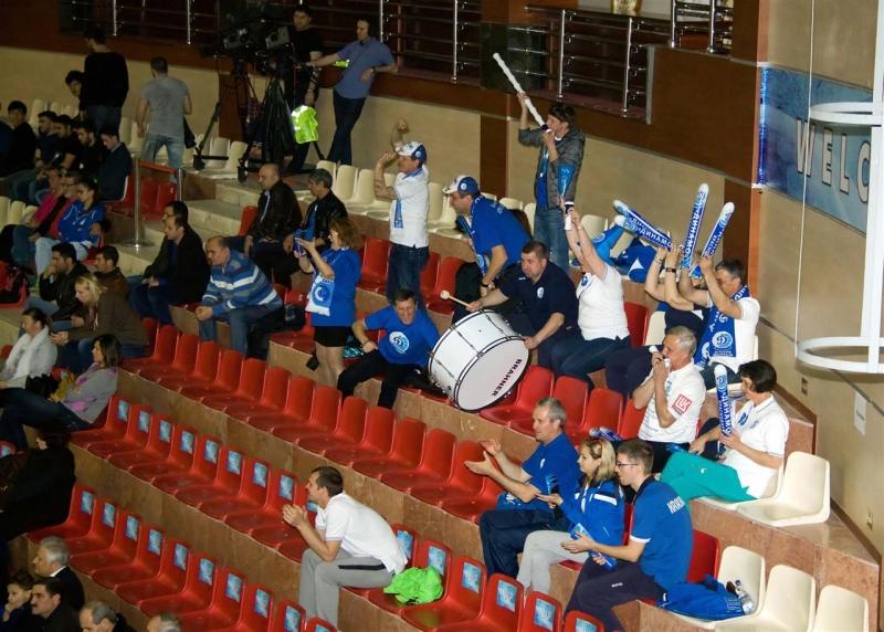 Волейболистки краснодарского динамо в первом полуфинальном матче кубка екв выиграли дома у азербайджанской рабиты