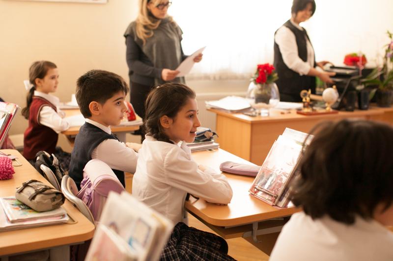 В школах Азербайджана начинаются зимние каникулы