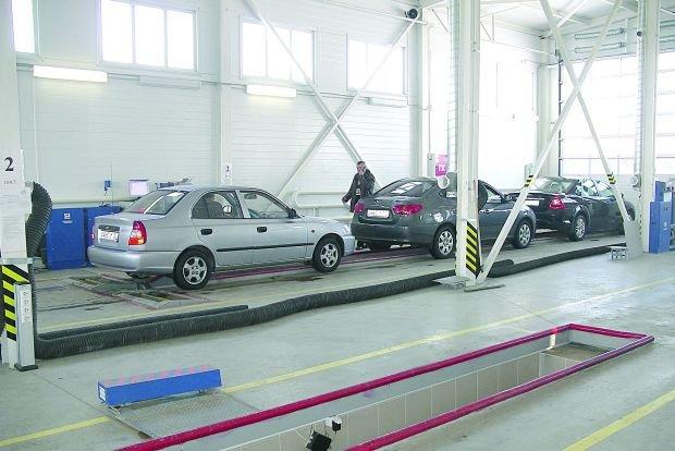 В Азербайджане начинается техосмотр автомобилей производства стран дальнего зарубежья